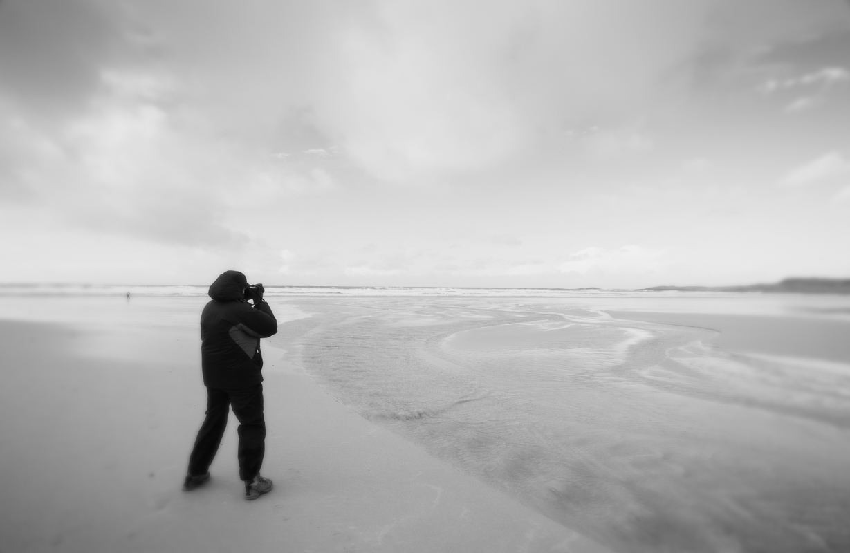 Ellen Moskowitz photographing in Machir Bay, Islay